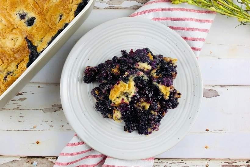 Blueberry Dump Cake   kimschob.com